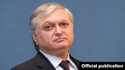 Հայաստանի ԱԳ նախարար Էդվարդ Նալբանդյան, արխիվ