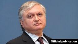 ՀՀ ԱԳ նախարար Էդվարդ Նալբանդյան, արխիվ