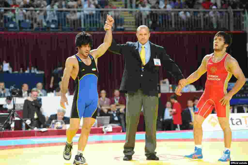 کسب مدال طلای رضا یزدانی و مهدی تقوی در مسابقات جهانی استانبول، در ۲۸ شهریور ۹۰، کشتی آزاد ایران را نایب قهرمان جهان کرد.