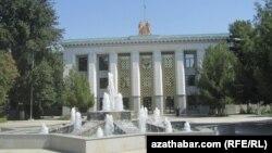 Aşgabat. Magtymguly adyndaky Türkmen döwlet uniwersiteti