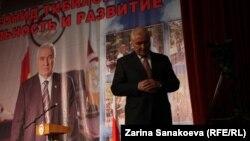 Демонстративное задействование административного ресурса в пользу Леонида Тибилова оттолкнуло от него многих избирателей