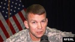 الجنرال جيفري بوكانان متحدثاً لإذاعة العراق الحر