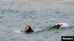 شنا با بورکینی