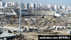 """""""Türkmenbaşy"""" stadiony ýykylýar. Aşgabat."""