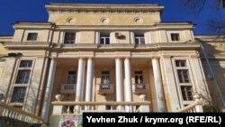 Балаклавский дворец культуры построен в 1932 году по проекту архитектора В.К. Ретлинга