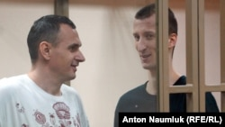 Олег Сенцов і Олександр Кольченко в суді, архівне фото