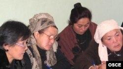 Соңку жылдары Кыргызстанда аялдар коомдук-саясий турмушка жана ишкерликке жандуу аралаша баштаганы айтылып келет.