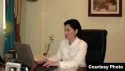 Еңбек және халықты әлеуметтік қорғау министрі Гүлшара Әбдіхалықова. Астана, 27 қаңтар 2011 жыл. (Көрнекі сурет)