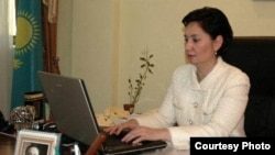 Гүлшара Әбдіхалықова Еңбек және халықты әлеуметтік қорғау министрі кезінде. Aстана. 27 қаңтар, 2011 жыл.