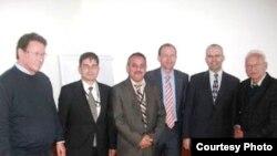 من اليمين، أورليخ، كوهلر، موظف ألماني، زومايا، سيمتنر و هوبه