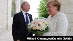 Ռուսաստանի նախագահ Վլադիմիր Պուտինն ու Գերմանիայի կանցլեր Անգելա Մերկելը Սոչիում, 18-ը մայիսի, 2018թ.