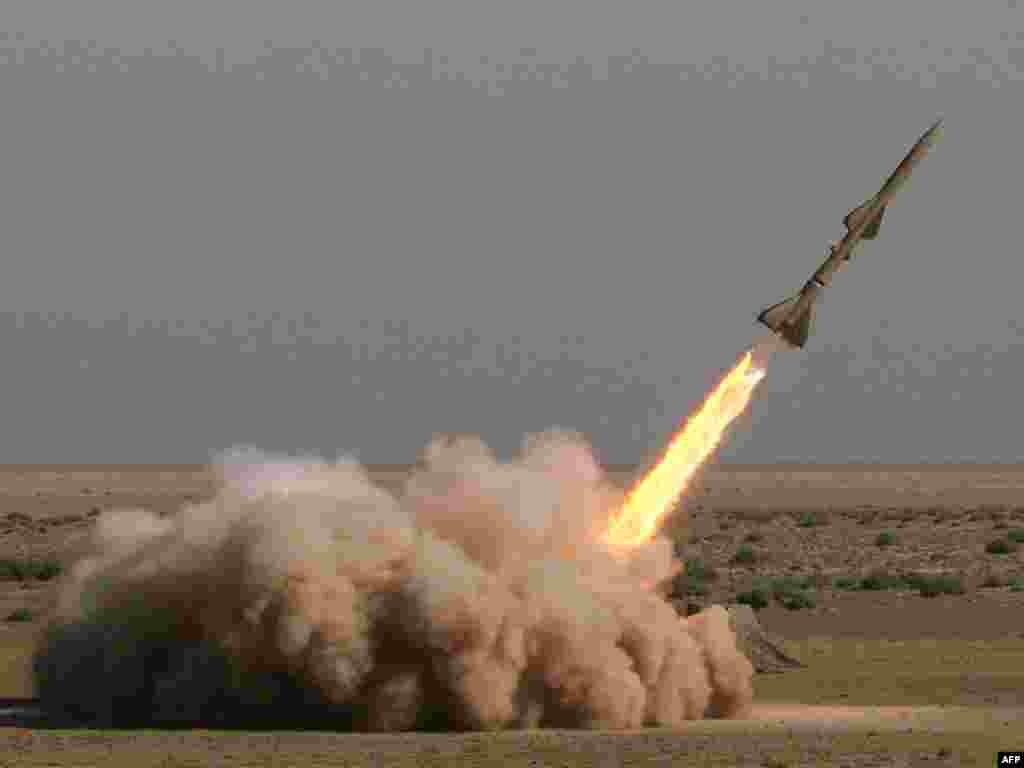 Иран испытал ракету, способную долететь до Израиля
