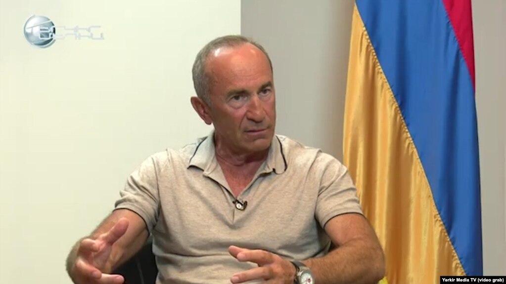 Суд освободил экс-президента Армении Роберта Кочаряна из-под стражи