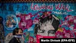 Grafiti posvećene epidemiji korona virusa, ilustrativna fotografija
