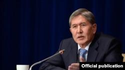 Kyrgyzstan - Kyrgyz President Almazbek Atambaev at the final annual press conference for the media, December 16, 2013