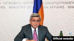 Armenia -- President Serzh Sarkisian addresses top Armenian diplomats on September 1, 2009.
