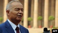 Ислом Каримов Ҳиндистонга учинчи марта давлат ташрифи билан бормоқда.