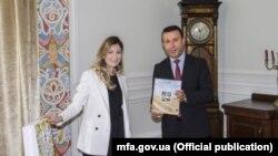 Еміне Джеппар на зустрічі з послом Іраку в Україні