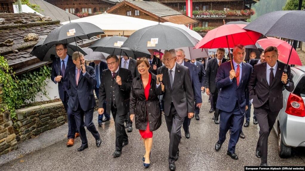 Diplomatët botëror në Forumin Evropian Alpbach në Austri