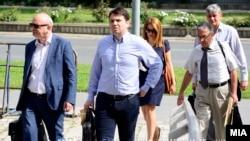 Покрај поранешниот министер за транспорт, Миле Јанакиески, во ТНТ обвинети се и поранешниот премиер Никола Груевски и поранешниот градоначалник на Општина Гази Баба, Тони Трајковски