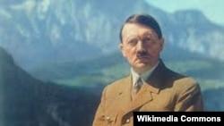 Адольф Гитлер, Германия 1933 год.