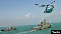 Машқҳои низомии Эрон дар Iran begins navy drill off Strait of Hormuz as US newly wary