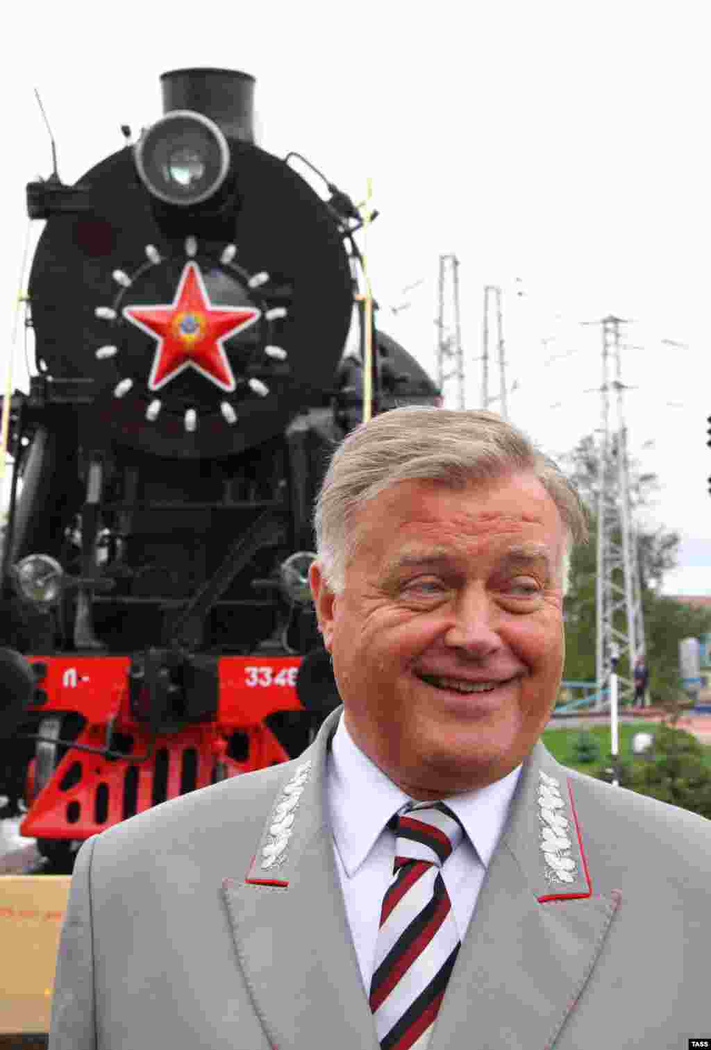 Сентябрь 2012 года,Владимир Якунин во время показа железнодорожной техникив рамках празднования 175-летия железных дорог России