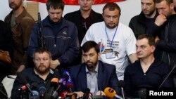 Донецк айирмачилари Путин билан алоқалари йўқлигини иддао қилмоқда.