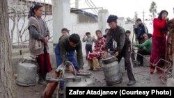 В Кыргызстане около миллиона населения имеет проблемы с доступом к чистой питьевой воде. Архивное фото.