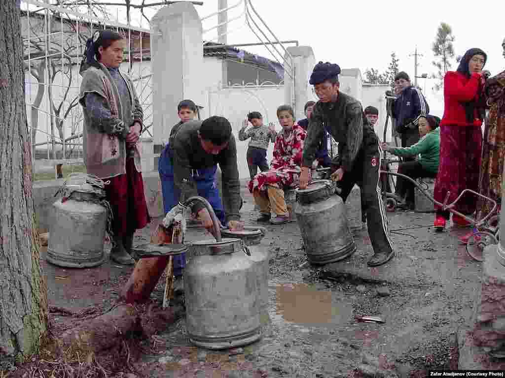 За последние 12 лет в свыше 500 селах за счет доноров были постороены новые водопроводные сети