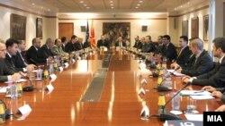 Средба на премиерот Никола Груевски со шефовите на дипломатско-конзуларните претставништва на Македонија во странство.