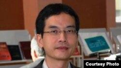 Томохико Уяма, профессор Славянского исследовательского центра университета Хоккайдо в Токио. Уральск, 18 сентября 2010 года.