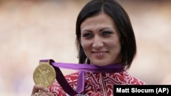 ارشیف، نتالیا انتییوخچې د ۲۰۱۲ کال په ژمني المپیک سیالیو کې له ۴۰۰ متره خنډونو د تېرېدو په مسابقه کې اتله شوې وه.