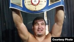 WBA/NABA US yo'nalishi bo'yicha o'ta og'ir vazndagi chempion Ahror Muralimov.