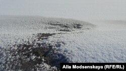 Снег в Кемеровской области серого цвета от угольной пыли