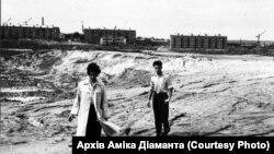 Ezen az 1961 augusztusában készült fotón a Babij Jar-i lakóházak újjáépítése látható.