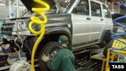Российские автомобили теряют темпы продаж наравне с иномарками