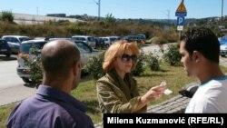 Azilanti u razgovoru sa novinarkom RSE
