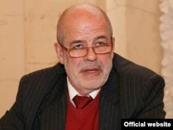 Виталий Наумкин