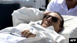 Hosni Mubarak derisa ishte i shtrirë në spital