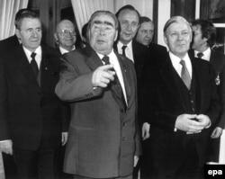 Андрій Громико, Леонід Брежнєв і Гельмут Шмідт. 1982 рік