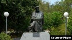 Пам'ятник Тарасові Шевченку в місті Форт-Шевченко (Мангістауська область, Казахстан)