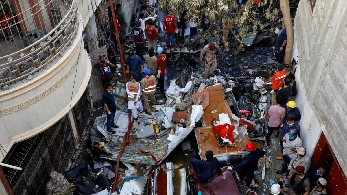 МИД: предварительно, украинцев среди жертв катастрофы в Пакистане не было