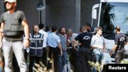 Osumnjičeni za umješanost u vojni puč pred sudom u Ankari