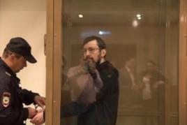 Александр Белов в зале суда