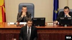 Министерот за финансии Зоран Ставрески зборува за собраниска седница за ребаланс на буџетот на 29 мај 2012 година.