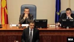 Архивска фотографија: Министерот за финансии Зоран Ставрески зборува за собраниска седница за ребаланс на буџетот на 29 мај 2012 година.