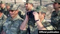 Ադրբեջանական զինուժի զորավարժություններ, արխիվ