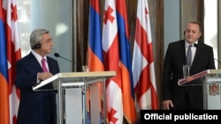 Georgia - President Giorgi Margvelashvili (R) and his Armenian counterpart Serzh Sarkisian at a joint news conference in Tbilisi, 18Jun2014.