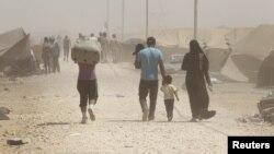 لاجئون سوريون في مخيم الزعتري في الأردن